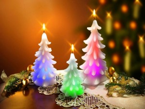 Postal: Velas iluminadas para celebrar Navidad