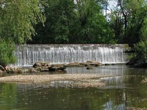 Postal: Cascada en el río Bega