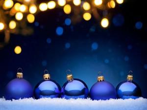 Postal: Bolas azules navideñas