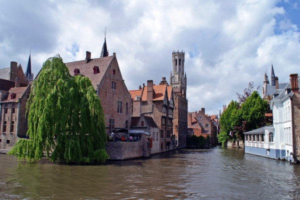 Canal en Brujas (Bélgica)