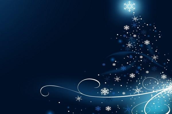 Copos de nieve formando un árbol de Navidad