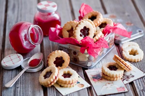 Sabrosas galletas rellenas de mermelada