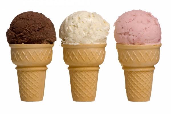 Tres helados de ricos sabores