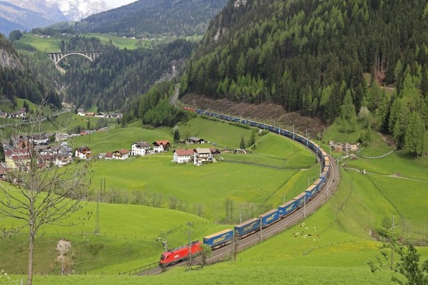 Tren de mercancía