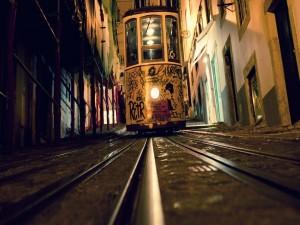 Postal: Tranvía en una ciudad