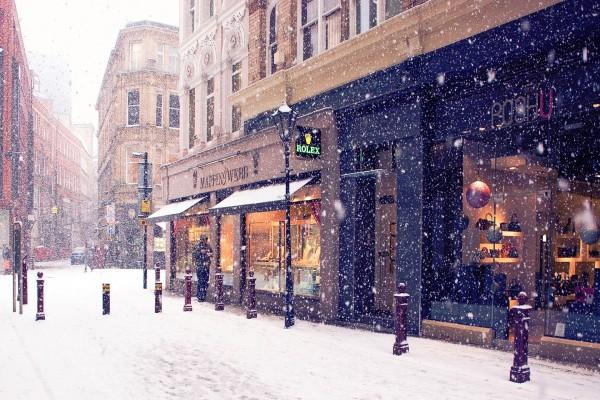 Nieva en una ciudad