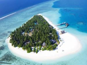 Postal: Complejo turístico en una pequeña isla