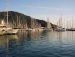 Barcos de vela en el puerto