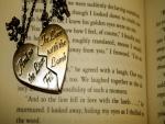 Corazón con la frase de un libro