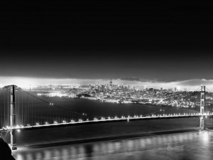 Postal: Puentes iluminados en la ciudad de San Francisco