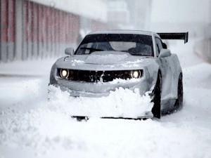 Postal: Coche en la nieve