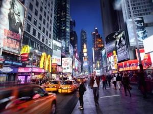 Postal: Caminando por una calle de Nueva York