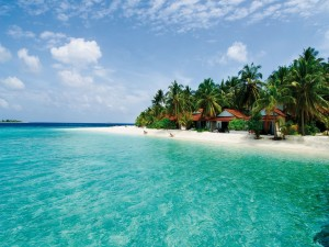 Pequeñas casas en una hermosa playa