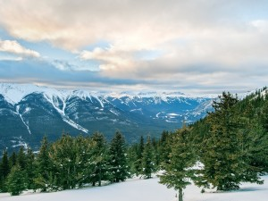 Parque Nacional Banff cubierto de nieve (Alberta, Canadá)