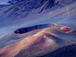 Postal: Sendero al cráter del Haleakala (Maui, Hawái)