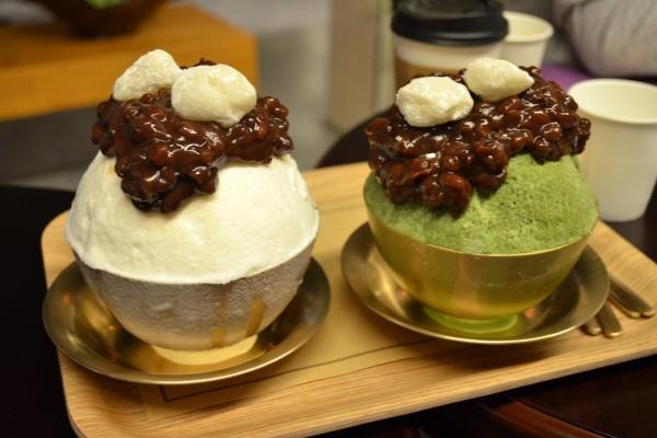 Dos postres helados