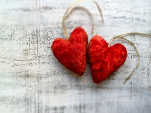 Postal: Dos corazones rojos