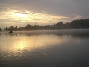 Pescando entre la bruma