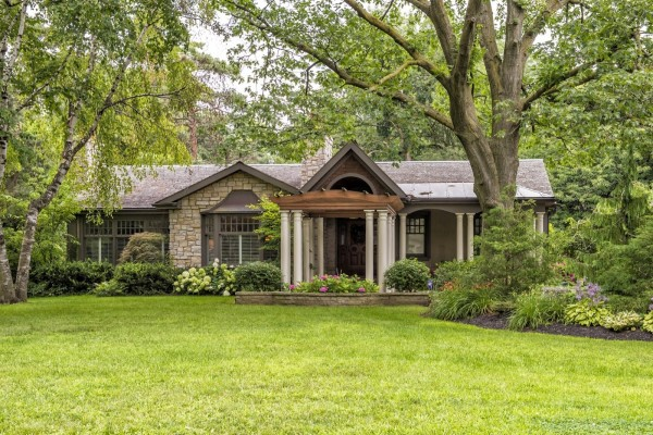 Espectacular casa con un hermoso jardín