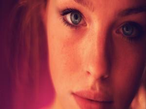 Postal: El rostro de una bella chica