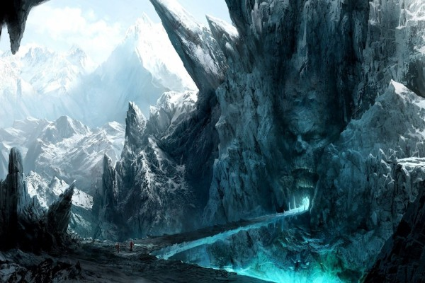 Puerta espeluznante en las montañas heladas