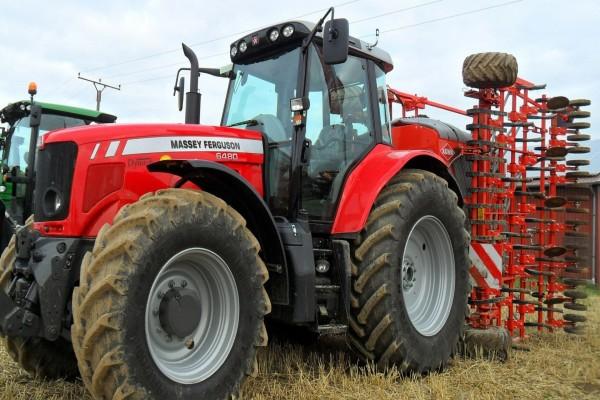 Máquina agrícola Massey Ferguson 6480
