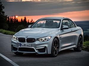 Postal: BMW gris convertible