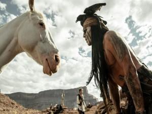 """Postal: Johnny Depp en la película """"El Llanero Solitario"""""""