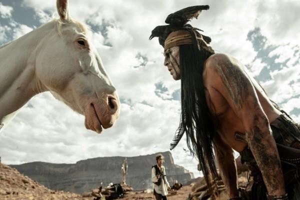 """Johnny Depp en la película """"El Llanero Solitario"""""""