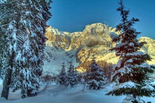 Impresionante paisaje invernal en Austria