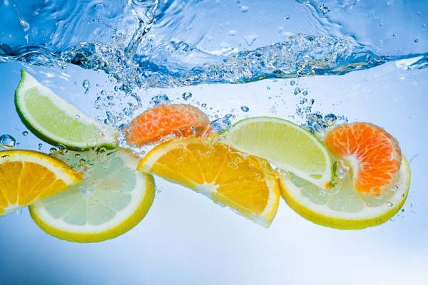 Cítricos en el agua
