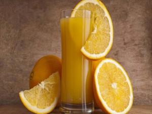 Zumo de naranja repleto de vitaminas