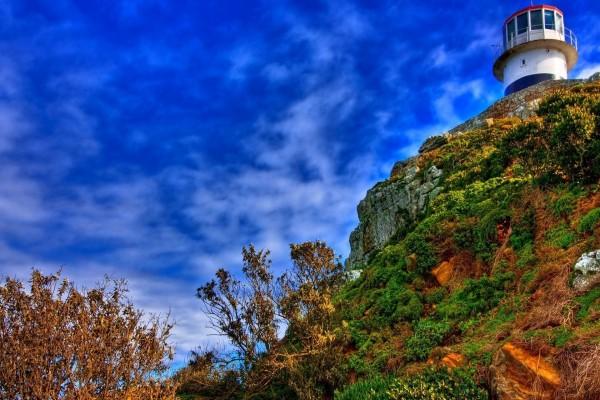 Faro en el acantilado