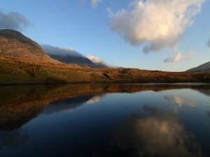 Postal: Nube reflejada en el lago