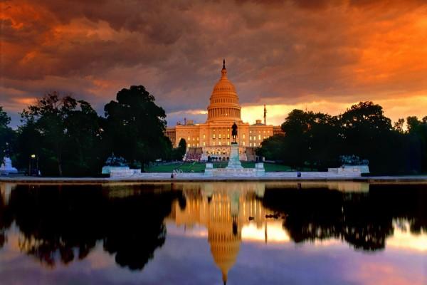 Anochecer sobre el Capitolio de los Estados Unidos