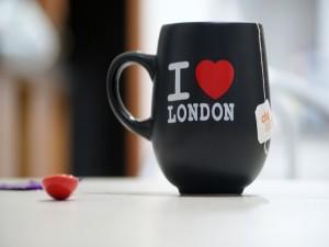 Postal: Recuerdo de Lóndres para tomar el té