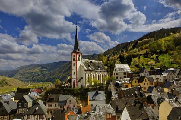 Iglesia en el pueblo