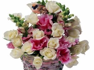 Postal: Espectacular arreglo floral en una cesta
