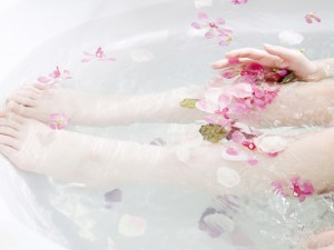 Baño relajante con flores