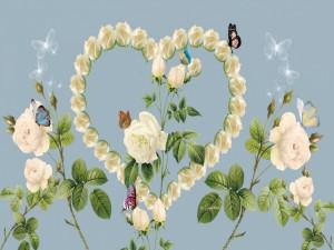 Postal: Mariposas revoloteando sobre un corazón de rosas blancas