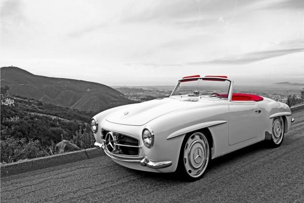 Un Mercedes clásico descapotable