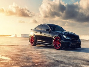 Postal: Mercedes Benz C63 Series