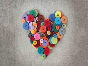 Postal: Corazón de botones