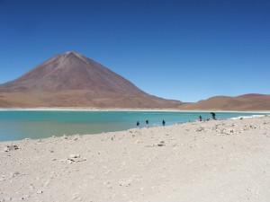 El volcán Licancabur y la Laguna Verde (Bolivia)