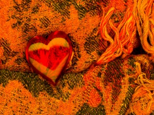 Corazón sobre una manta