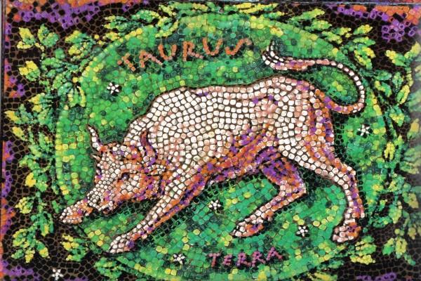 Mosaico de Tauro, elemento Tierra
