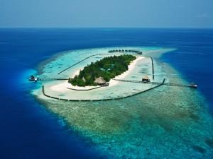 Isla vacacional en el océano