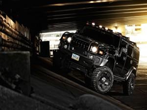 Un Hummer negro