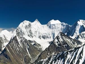 Nieve sobre las montañas