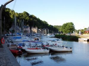 Postal: Barcos en el río Rance ( Dinan, Francia)